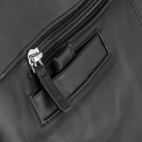 نمای نزدیک از زیپ کیف لپ تاپ دلسی مدل Bellecour