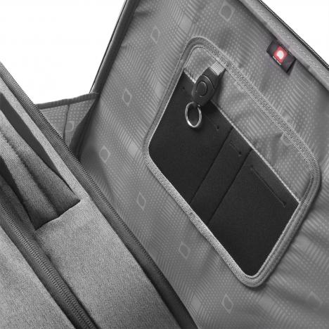نمای داخل جیب یک سمت کیف لپ تاپ دلسی مدل Bellecour