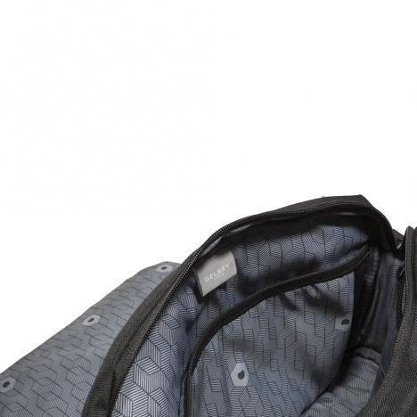 کیف دوشی دلسی کد 335414500 نمای برند از داخل کیف