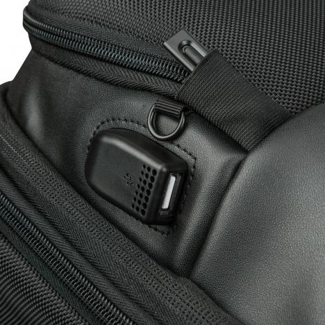 کوله پشتی دلسی مدل 119860100 نمای قفل
