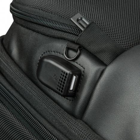 کوله پشتی دلسی مدل 119860300 نمای قفل