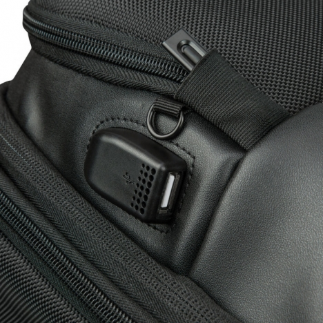 کوله پشتی دلسی مدل 119860400 نمای قفل