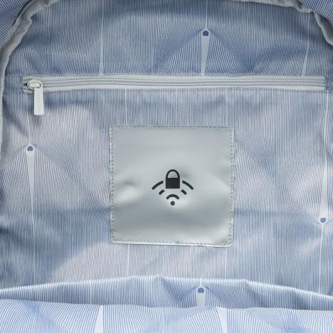 کوله-پشتی-دلسی-مدل-securban-آبی-333460012-نمای-جیب-مخصوص-آر-اف-آی-دی