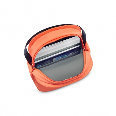 کوله-پشتی-دلسی-مدل-securstyle-نارنجی-202161019-نمای-داخل