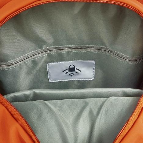 کوله-پشتی-دلسی-مدل-securstyle-نارنجی-202161025-نمای-جیب-مخصوص-آر-اف-آی-دی