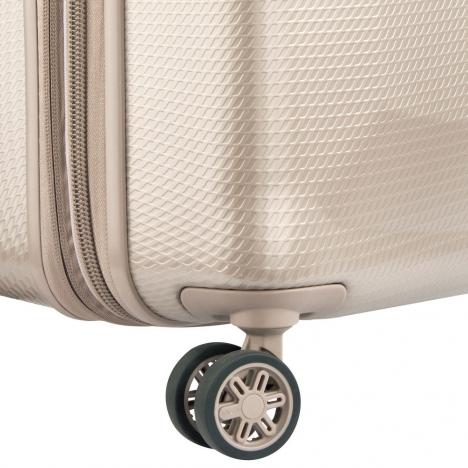 چمدان دلسی مدل 100482117 نمای چرخ چمدان از نزدیک