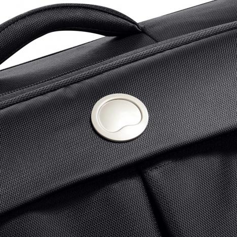چمدان-دلسی-مدل-flight-lite-مشکی-23381000-نمای-دسته-چمدان