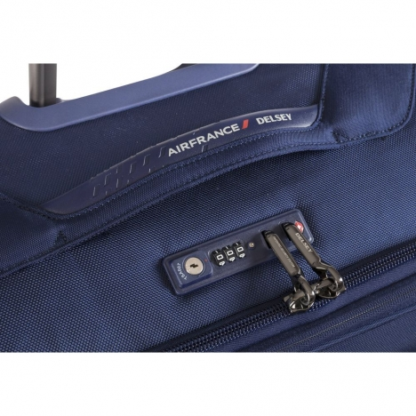 چمدان-دلسی-مدل-new-destination-آبی-200482102-نمای-زیپ