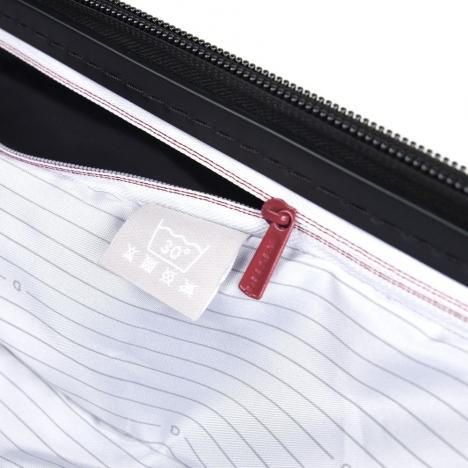چمدان-دلسی-مدل-segur-مشکی-205883000-نمای-زیپ-جیب-داخلی