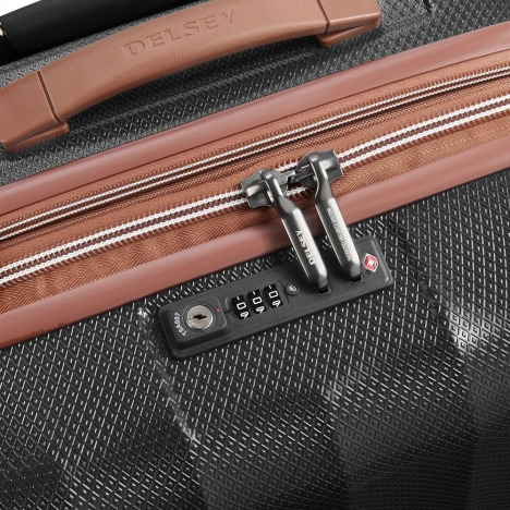 چمدان-دلسی-مدل-st-tropez-مشکی-208780100-نمای-زیپ