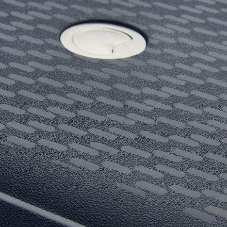 چمدان-دلسی-مدل- TASMAN-مشکی-310081101-نمای-لوگو-دلسی